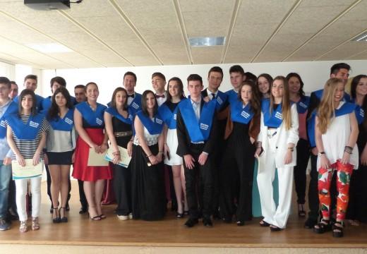 Acto de graduación de 26 alumnos e alumnas do IES de Brión