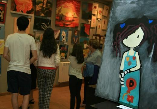 O Museo do Traxe exhibe os mellores traballos dos obradoiros de pintura do Concello