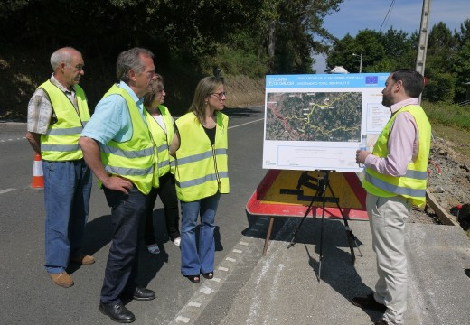 A senda entre Fonte Díaz e o Empalme de Vilar, en Touro, xa está executada nun 25% e estará rematada en outubro