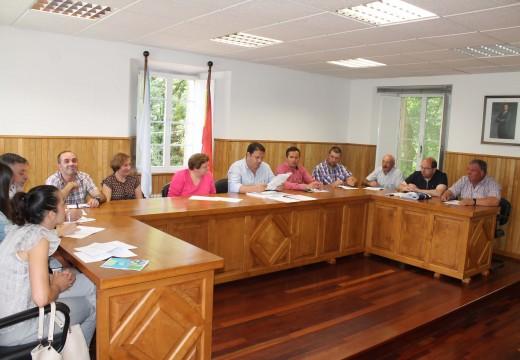 O pleno de Frades autoriza un convenio coa Xunta de Galicia para o abastecemento das parroquias de Moar e de Añá