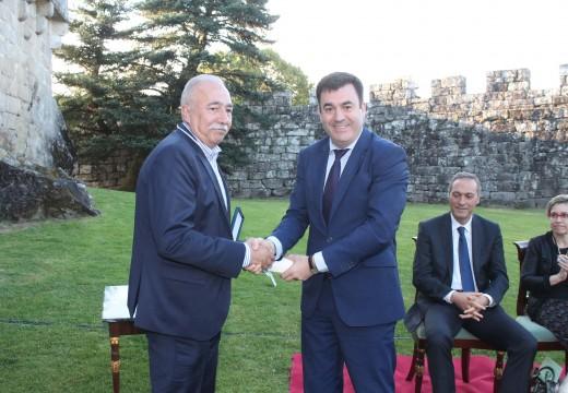 O Concello de Brión recibe o Premio Peña Novo pola promoción e defensa do galego