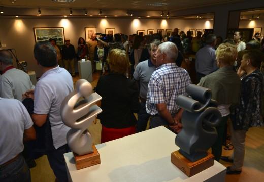 """18 esculturas de Nuco Losada e 31 pinturas de Paco Casal integran a nova esposición """"A Galicia Máxica"""" do Centro Lustres Rivas"""
