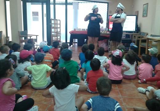 Os nenos e nenas das actividades de conciliación póñenlle as pilas aos seus bocatas