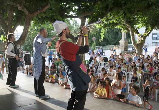 'Cocido express' con guarnición de risas na Alameda