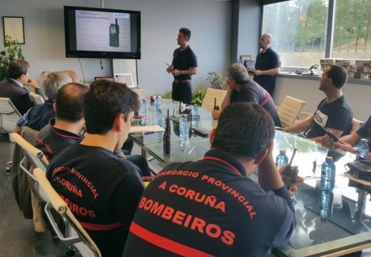 A Xunta forma aos bombeiros da Coruña no uso dos equipos de comunicación de emerxencias con tecnoloxía 'Tetra'