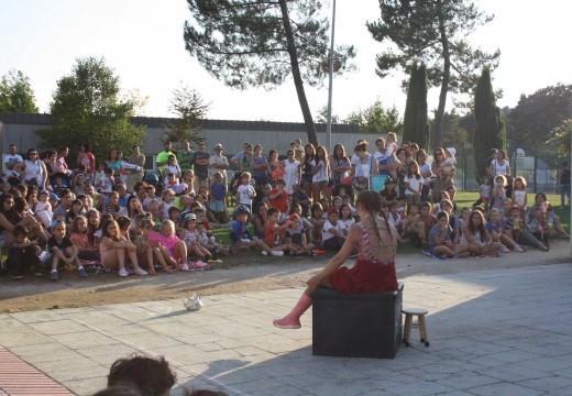 Recta final da Semana Cultural de Oroso con circo, maxia e actuacións musicais