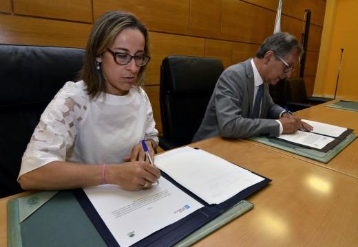 A Xunta e o concello de Carballo asinan o acordo para crear unha bolsa de vivendas sociais cos inmobles desocupados deste municipio e destinalos a familias en dificultades