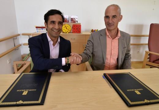 A Xunta de Galicia e o Concello de Curtis asinan un convenio de colaboración para a entrada en servizo do centro de día do municipio que acollerá inicialmente 25 usuarios