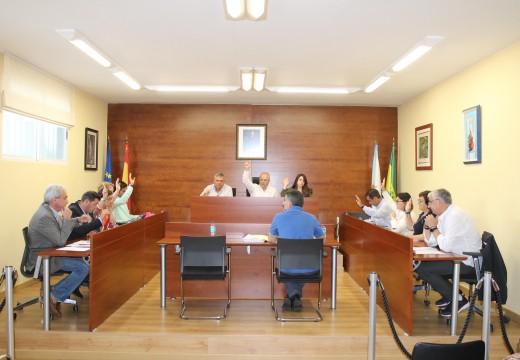 O Pleno de Oroso aproba unha modificación de crédito de 201.000 euros para actuacións de alumeado público e abastecemento