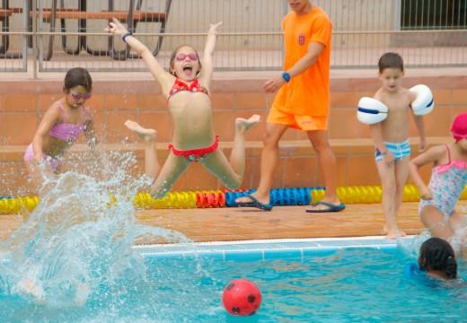 Arrincan os cursos de natación en Carral