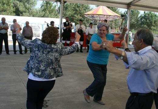 Santa Cruz de Montaos celebra o Rosario