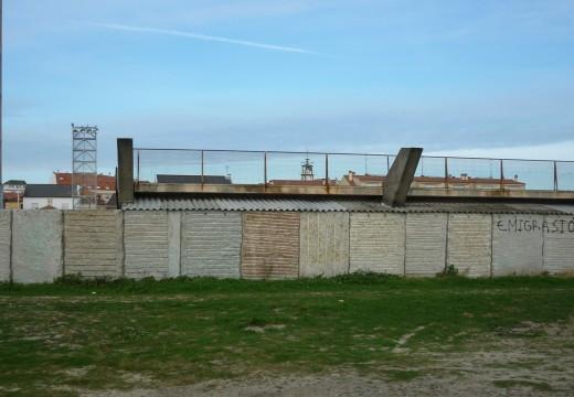 O concello activa unha nova actuación para impermeabilizar os vestiarios do campo de Aguiño situados baixo a grada sur