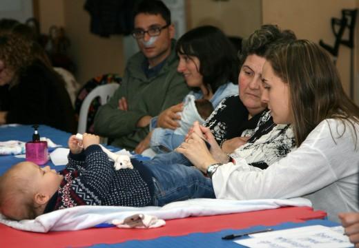 Alta participación no obradoiro de reflexoloxía para bebés
