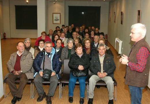 O Museo do Traxe recibe aos veciños e veciñas de Cangas