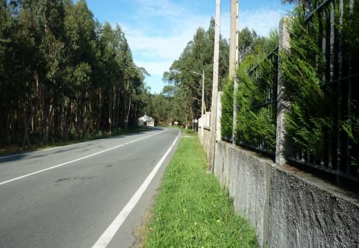 Adxudicada unha actuación para mellorar a seguridade viaria a través de 256 metros de beirarrúa na zona escolar do IES Leliadoura