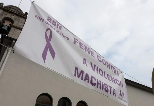 Microteatro nas rúas de Fene para reflexionar sobre a violencia machista