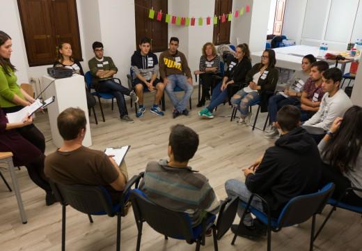 Unha ducia de rapaces e rapazas participou en San Sadurniño na primeira sesión dos Encontros da mocidade