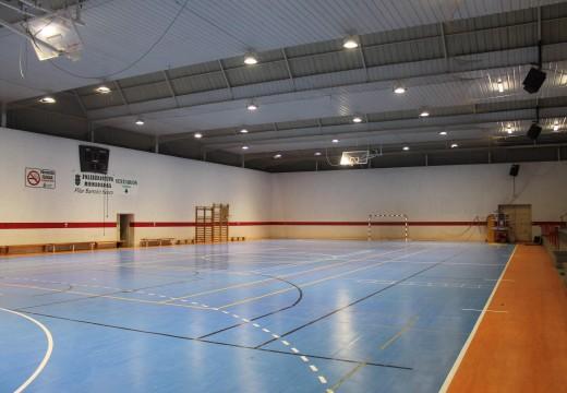 O Concello de Lousame inviste case 60.000 euros na renovación do alumeado en Marracín e Tállara e no polideportivo municipal