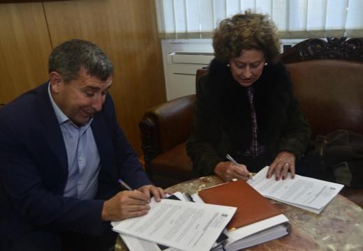 Concello e Renacer asinan un novo convenio de colaboración para mellorar a páxina web da Asociación Antidroga