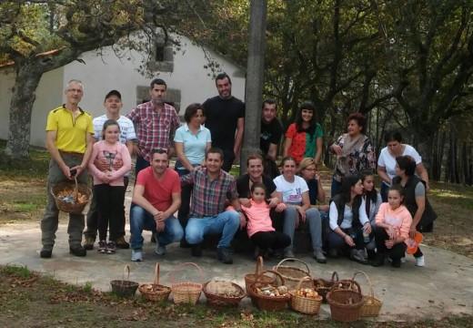 Unha vintena de veciños participaron nas Xornadas Micolóxicas de Frades