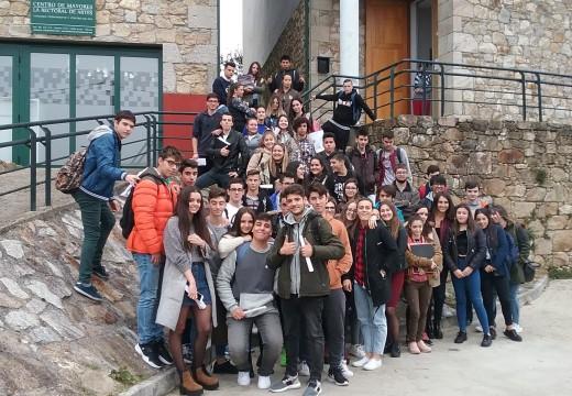 """Éxito das visitas escolares ao Museo do Gravado de Artes dentro do programa municipal """"Coñece o teu contorno próximo"""""""
