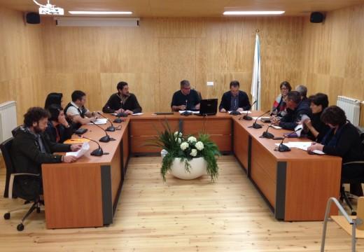 Pleno sosegado e cun alto grao de acordos entre os tres grupos da corporación local de San Sadurniño