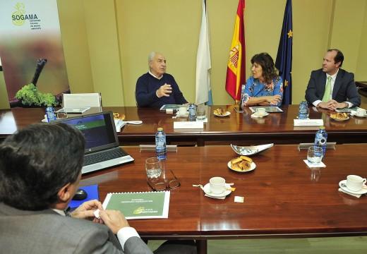 Beatriz Mato explica ao ministro de Transporte e Obras Públicas de Uruguai o modelo de xestión de residuos de Sogama