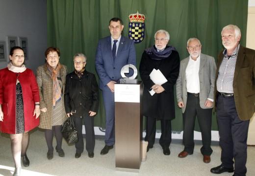 O presidente do Parlamento de Galicia asiste á estrea en Ordes do documental 'Isabel Zendal, la enfermera que cambió el rumbo del mundo'