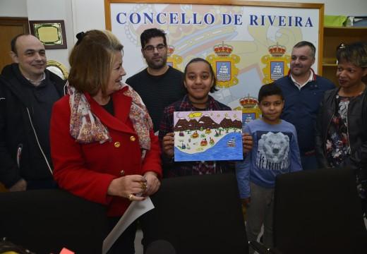 A estudante do colexio Galaxia Daniela Pena, gañadora do Concurso Escolar de Debuxos para Ilustrar o Cartel de Nadal