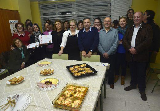 Entrega de diplomas no segundo taller de cociña de Nadal e no curso de arte floral
