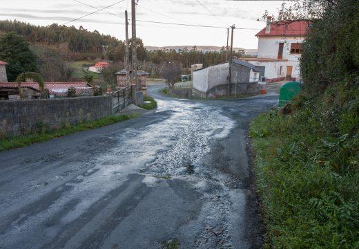 O Concello de Fene proxecta aglomerar a estrada que cruza o núcleo de Lubián