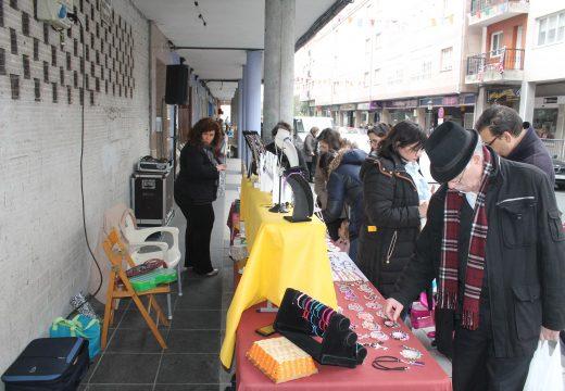 Dezaseis postos participan na primeira edición do Mercado da Artesanía de Oroso