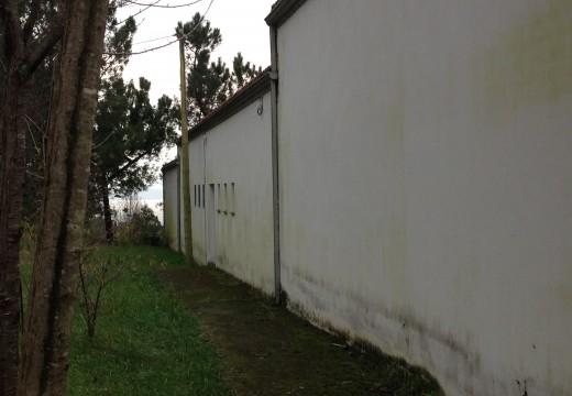 Aprobada una actuación para solucionar problemas de humidades na fachada posterior do Centro de San Roque
