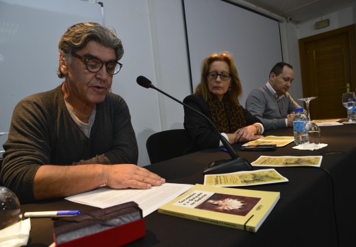 Conferencia maxistral de Xabier López Marqués sobre Don Quixote e Sancho ante setenta alumnos do IES Leliadoura