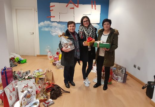 Flora Grela, Lucía Vilariño e Teresa Marzoa, gañadoras do sorteo de Nadal de Eu Merco en Ordes