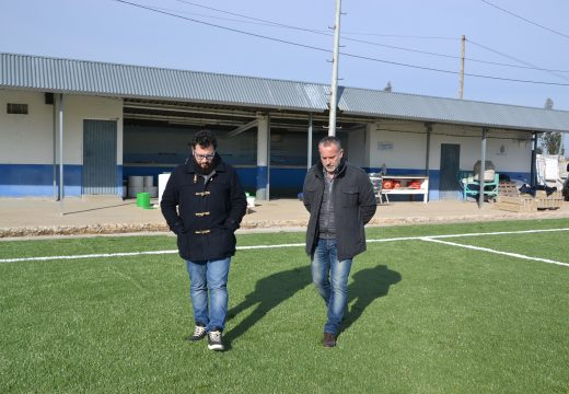 Avanzan as obras do campo de fútbol de Brexo Lema que rematarán o vindeiro mes