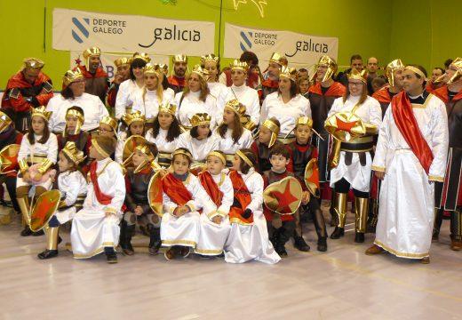 Máis de 2.000 persoas participaron na Cabalgata e festa de recepción aos Reis Magos en Oroso