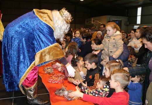 Máis de 400 persoas participaron na Cabalgata e Festival de Reis do Concello de Frades