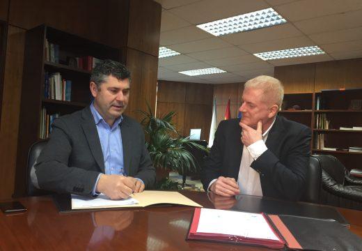 A Xunta mellora a eficiencia do alumeado público na Pobra do Caramiñal, con cargo ao fondo de compensación ambiental