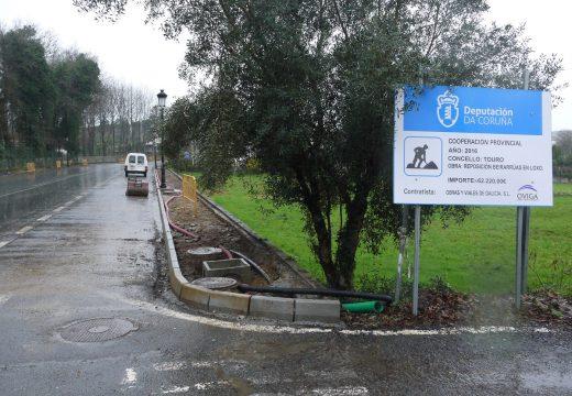 O Concello de Touro afronta obras de renovación das  beirarrúas de Loxo para mellorar a accesibilidade dos veciños