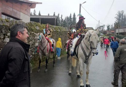 O delegado territorial da Xunta na Coruña participou na visita dos Correos e Xenerais do Ulla á parroquia de Sergude, unha das manifestacións máis tradicionais do entroido galego