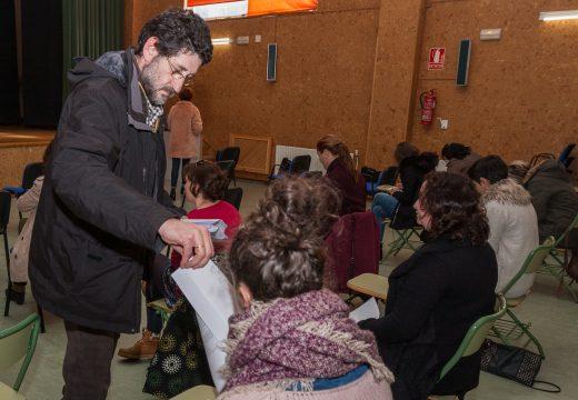 16 aspirantes participaron en San Sadurniño no primeiro exercicio do proceso selectivo de persoal administrativo