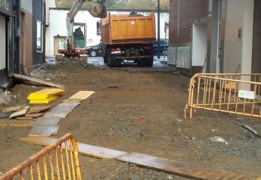 Comezan as obras para rehabilitar as rúas Vionta e Insua xunto ao paseo de Coroso