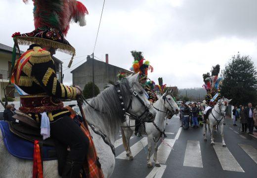 O desfile dos 'xenerais da Ulla' en Fonte Díaz pecha o entroido no Concello de Touro ata o 2018