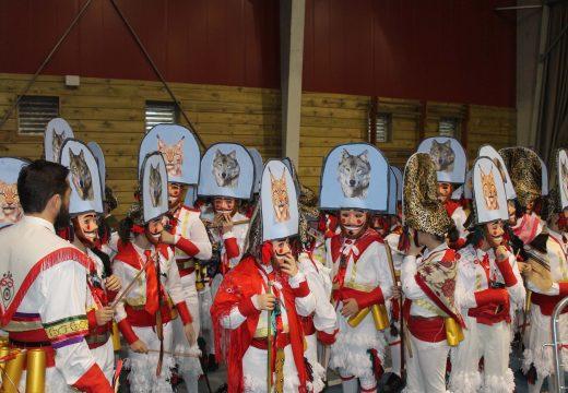 O alumnado do CEIP de Pedrouzos acapara os premios do Concurso de Disfraces de Brión coas súas representacións dos Entroidos máis senlleiros de Galicia
