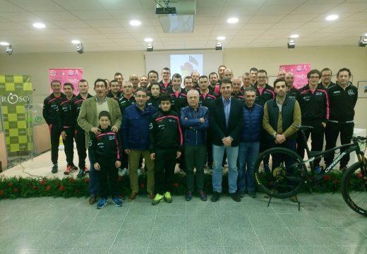 O Club Tambre Bike presenta a súa nova sección de atletismo en Oroso, que nace cunha quincena de atletas