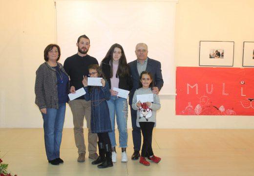 """As orosás Mayte Silva e Leticia Blanco gañan a sétima edición do concurso de fotografía """"Muller traballadora"""" do Concello de Oroso"""