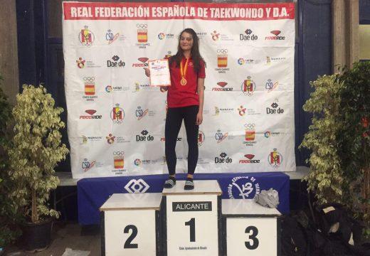 O Concello de Oroso felicita á orosá Sara Gacio Cendal pola súa medalla de bronce no Open de España 2017 de taekwondo
