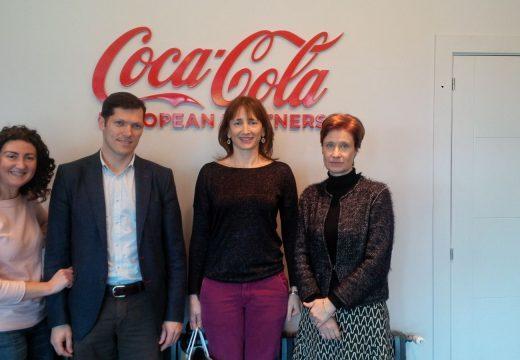 """A secretaria xeral para o Deporte visita as instalacións da fábrica de Coca-Cola da Coruña e resalta o traballo realizado pola marca """"en prol do deporte, de Galicia e dos galegos"""""""