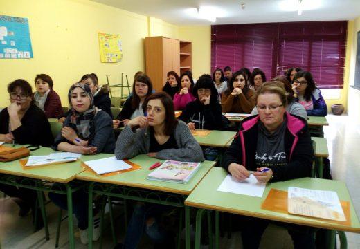 Trinta persoas participan en Riveira no segundo curso de dependencia e coidados